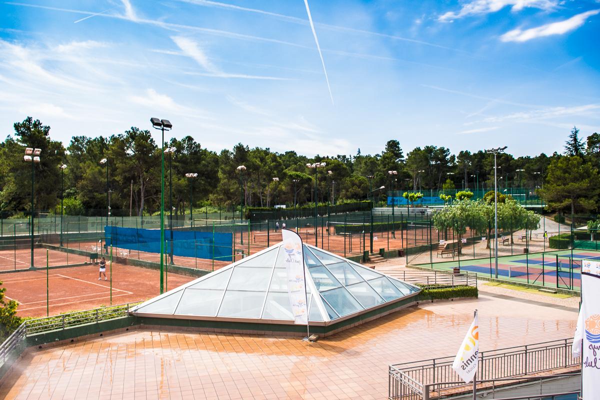 Instal lacions club tennis nataci sant cugat ctnsc for Piscina sant cugat