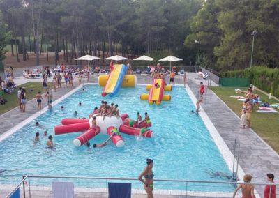 club-tennis-natacio-sant-cugat-inflables-piscina-2016-20160911-1